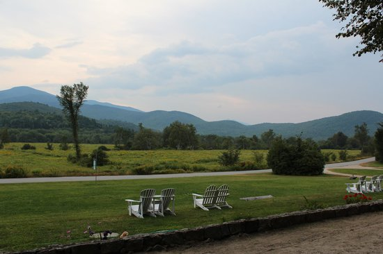 Philbrook Farm Inn: The view from the front porch.
