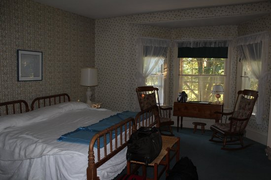 Philbrook Farm Inn: McKnight Room; 2nd floor, front of house.