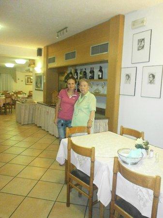 Hotel Rododendro: la mia mamma con la proprietaria