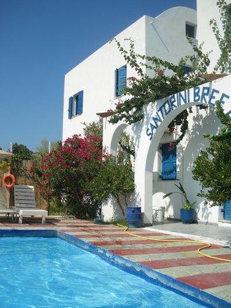 Santorini Breeze: Extérieur de l'hôtel
