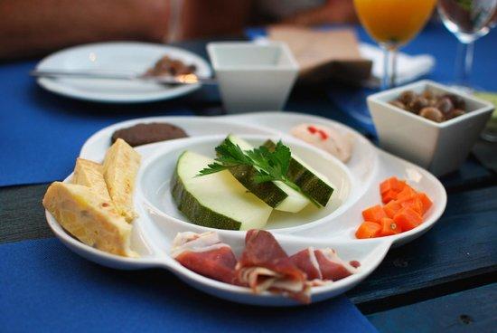 Cachoa Restaurant : Covert - Delicious!