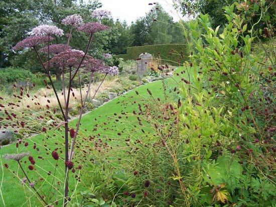 Grande rocaille Angélique... - Picture of Jardin de ...