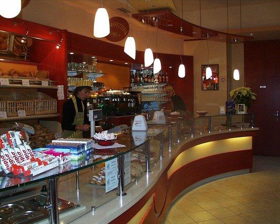 Ziano di Fiemme, إيطاليا: suan cafe bar panificio colazioni e spuntini