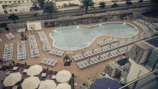 Hotel Revoli: The pool!