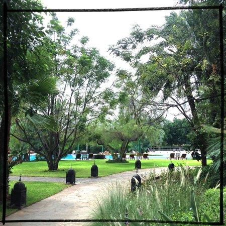Es Saadi Marrakech Resort - Palace : dans le jardin