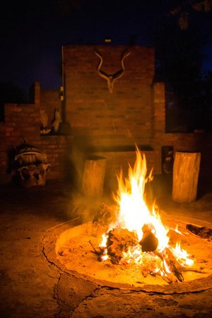 Askari Wilderness Conservation Programme: The Braai area just outside the volunteer house