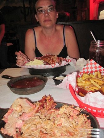 Waldo's BBQ: Mixed meat platter and chicken sandwich.