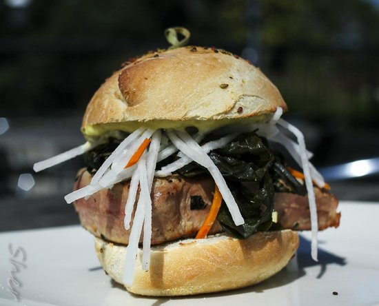 Terra Cafe: Wakame Burger