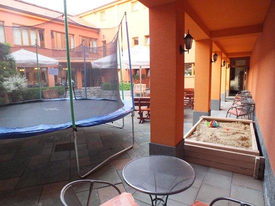 Hotel Majolika : Sandbox