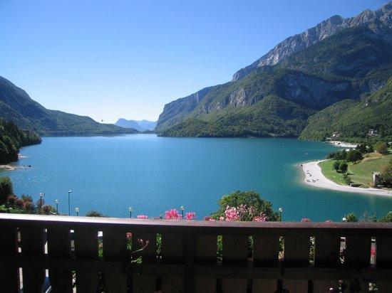 Feeling Hotel Fontanella: veduta dal balcone della stanza d'albergo