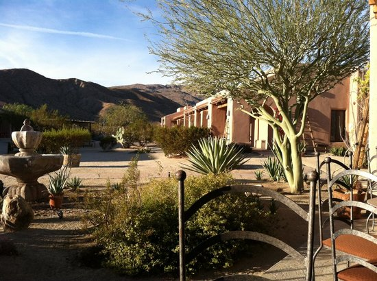 Borrego Valley Inn: View from the common patio area