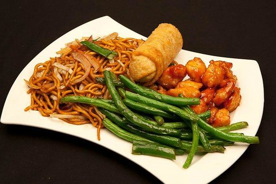 Alpha Fusion: Gen Tso's chicken with string beans and noodles