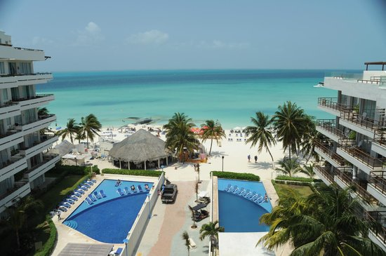 Ixchel Beach Hotel: Pool and Beach