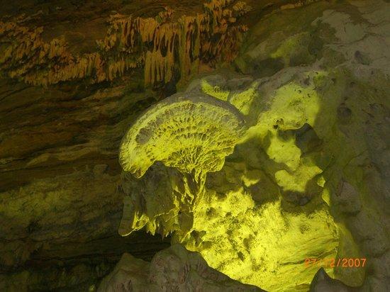 Maquine cave: Gruta maquine