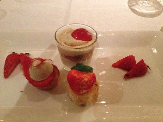 Restaurant Hotel Merlet: Dessert menu Gastronomique.