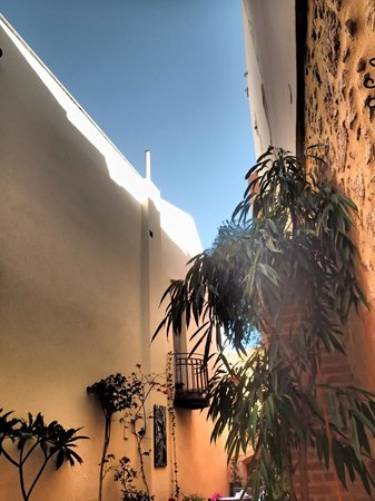 Casa Moazzo Suites & Apartments: Letting the sunshine in