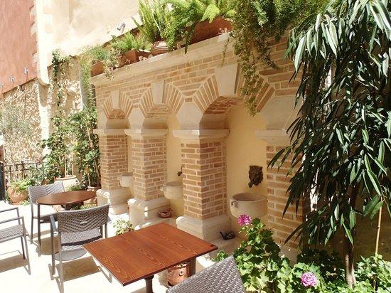 Casa Moazzo Suites & Apartments: Moazzo Fountains
