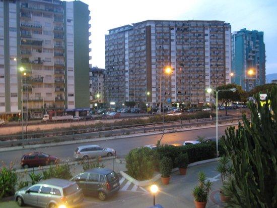 Cit Hotels Dea Palermo: Veduta dall'Hotel Idea-PA