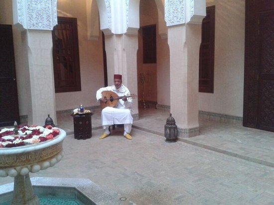 Riad Kniza: musica ambiente