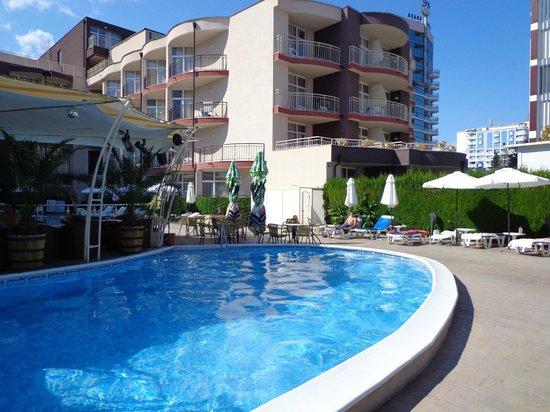 Astoria Hotel: Pool