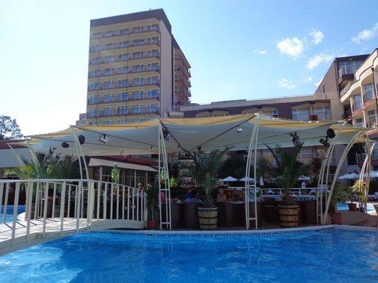 Astoria Hotel: Pool bar