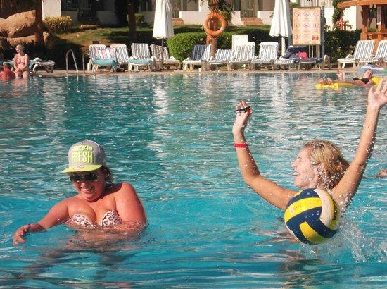 Tiran Island Hotel : Volleyball