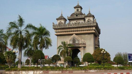 Patou Xai (Patu Say): der Triumphbogen
