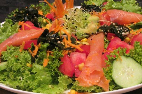 Luncheonette Cafe: Salade de la mer