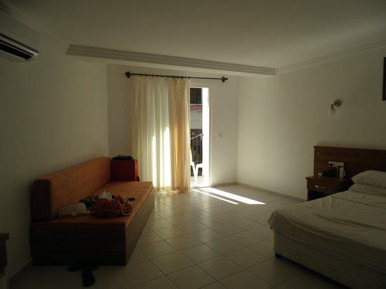 Karbel Hotel: room 974