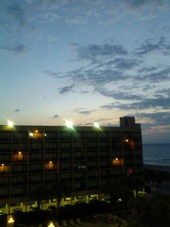 DoubleTree Resort by Hilton Myrtle Beach Oceanfront : Sunrise