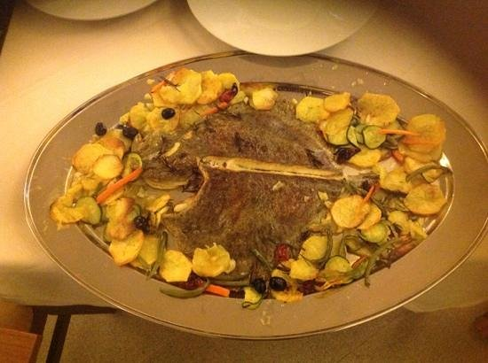 Hotel Vulci : rombo al forno con patate
