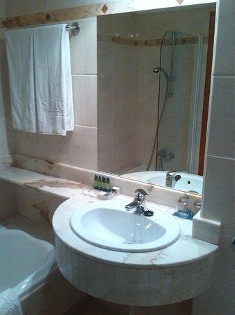 Insotel Hotel Formentera Playa : particolare del bagno