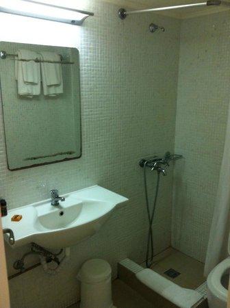 Anemos Beach Lounge Hotel: Bathroom