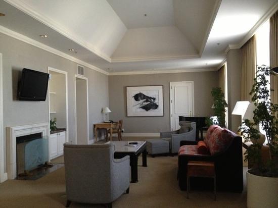 Fairmont San Jose: Fairmont Suite - outdated but huge with terrific city views