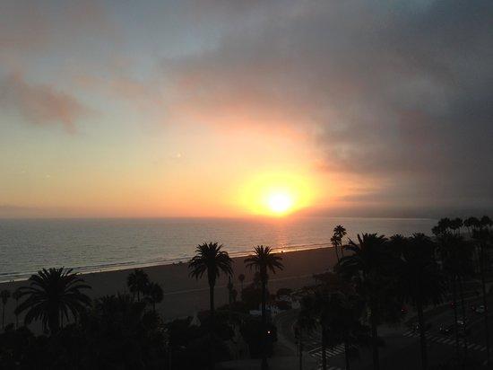 Fairmont Miramar Hotel & Bungalows: View Sunset
