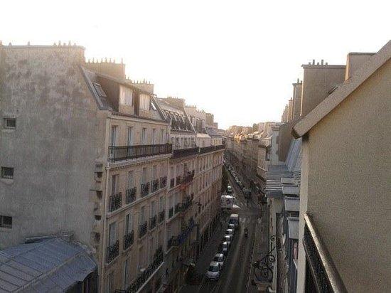 Migny Hotel Opera Montmartre: Vista dal balcone della stanza 504