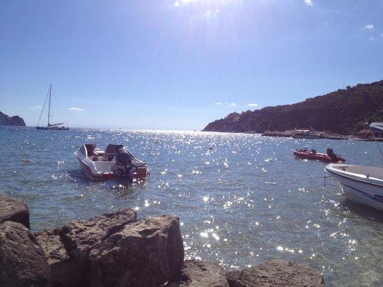 Limneon Villas: Hire a boat