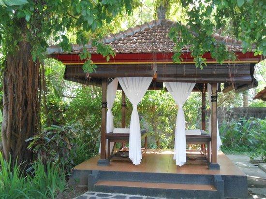 Banyualit Spa n' Resort : espace massage