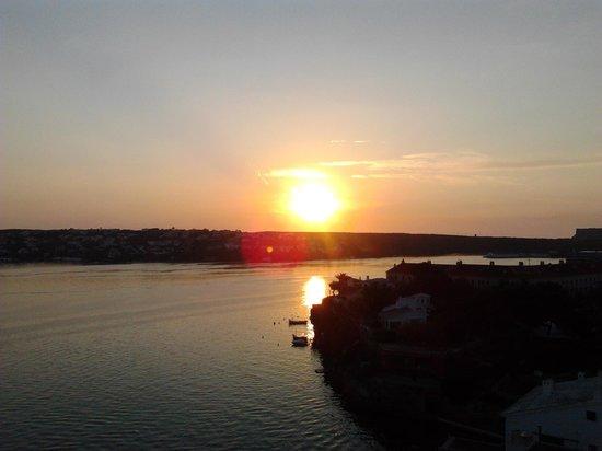 Hotel Agamenon: Vistas balcon hab. 511, amanecer.