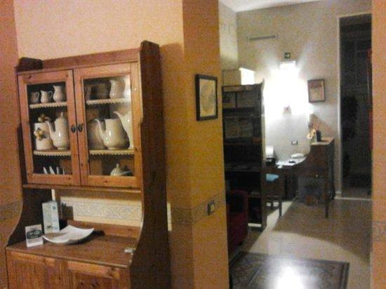 Bonapace Porta Nolana  Bed & Breakfast: reception