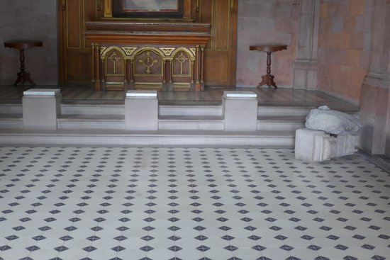 Hill of the Bells: three marble plaques of Maximilian and his two generales