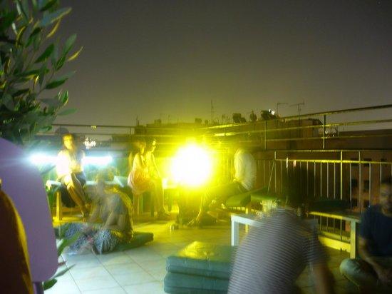 Athens Backpackers : bar sur le toit