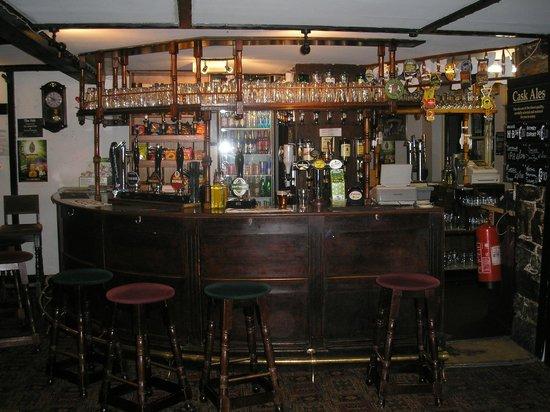 Llanerch Inn 16th Century Hotel: Bar area.