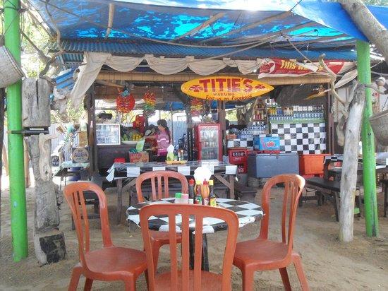 Titie's Warung: vue sur le resto de plage