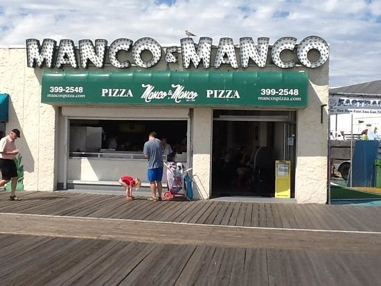Manco & Manco Pizza: BEST PIZZA.   MANCO AND MANCO ON 9 th street