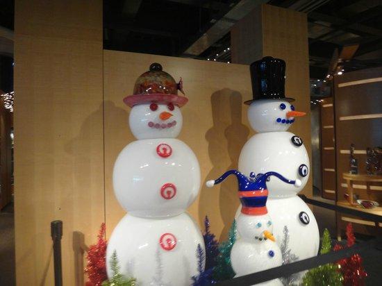 The Corning Museum of Glass: Snowmen