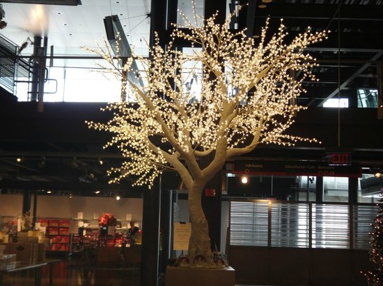 The Corning Museum of Glass: Tree of glass