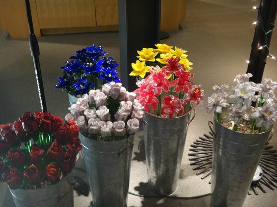 The Corning Museum of Glass: Glass flowers
