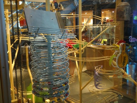 The Corning Museum of Glass: Music Machine made of glass