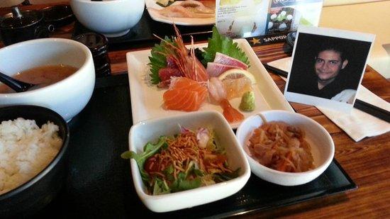 Oto-Oto Izakaya Japonaise: Lunch: Sashimi Set $12.95